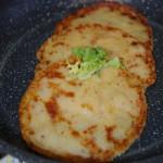 Постные картофельные лепешки на сковороде