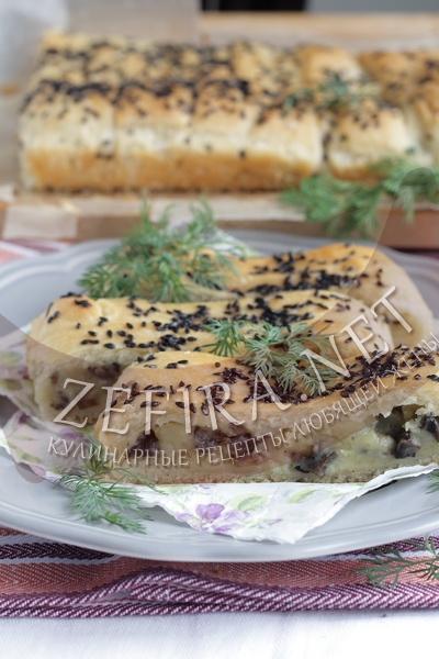 Постный дрожжевой пирог с начинкой - рецепт и фото
