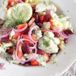 Салат из отварной рыбы с овощами и фасолью