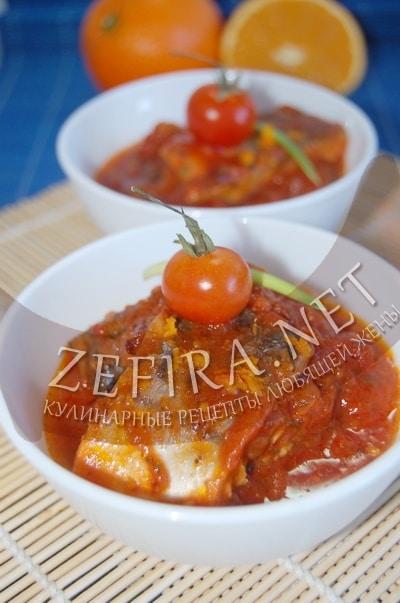 Скумбрия тушеная на сковороде в томатно-апельсиновом соусе - рецепт и фото