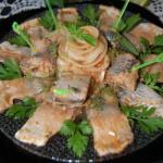 Маринованная в уксусе селедка с луком - рецепт и фото