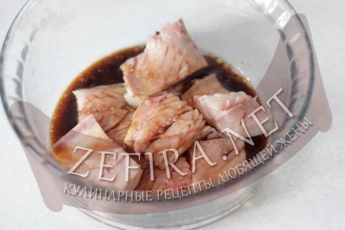 Скумбрия, жареная на сковороде - шаг 3