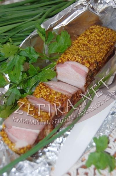 Свиная грудинка в горчице,  запеченная в духовке - рецепт и фото