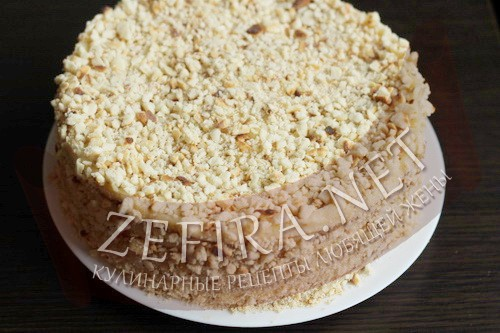Торт на сковороде со сгущенкой - сборка торта шаг6
