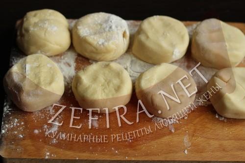 Торт на сковороде со сгущенкой - тесто шаг 4