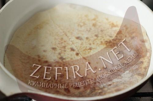Торт на сковороде со сгущенкой - тесто шаг 7