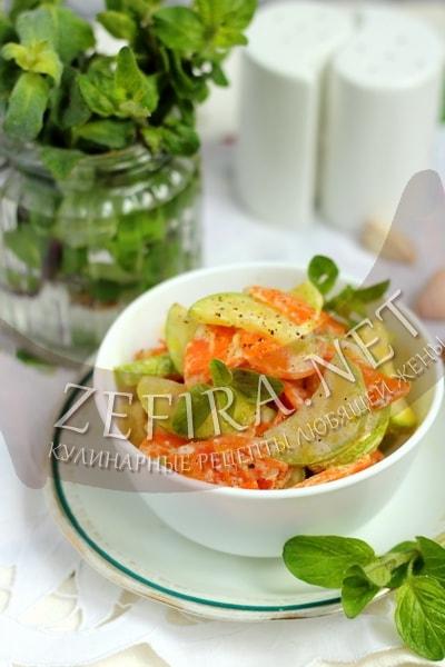 Кабачки тушеные с морковью - рецепт и фото
