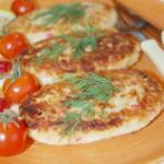 Картофельные котлеты – рецепт с крабовыми палочками и сыром