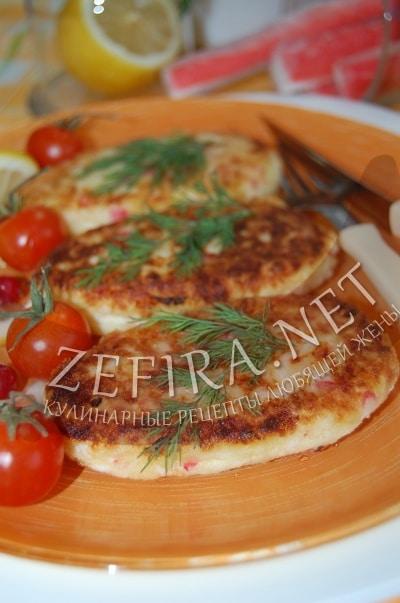 Картофельные котлеты – рецепт с крабовыми палочками и сыром - рецепт и фото