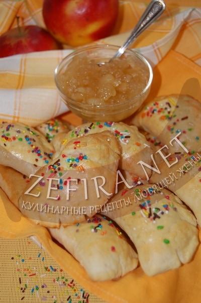 Пирожки с яблоками в духовке - рецепт и фото