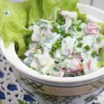 Салат из редиса и огурцов «Необычный»