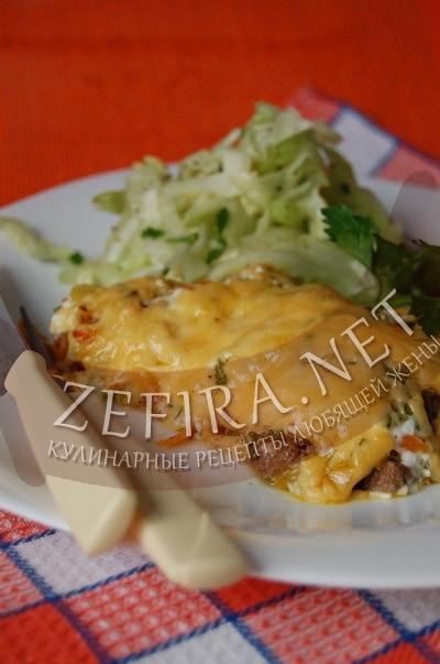 Свиная печень в духовке с овощами и сыром - рецепт и фото