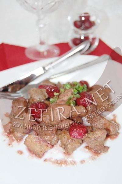 Рецепт тушеной свинины с вишней - рецепт и фото