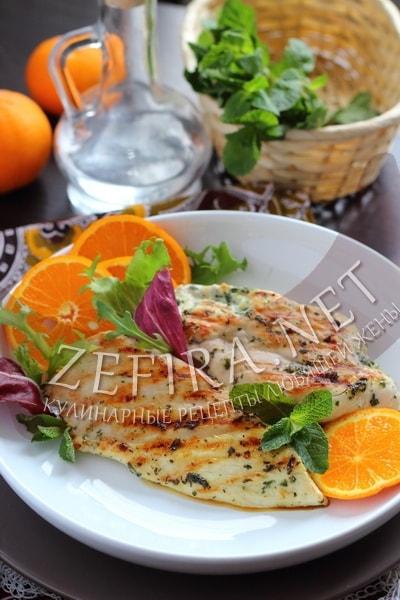 Вкусное куриное филе на сковороде в мятном маринаде - рецепт и фото