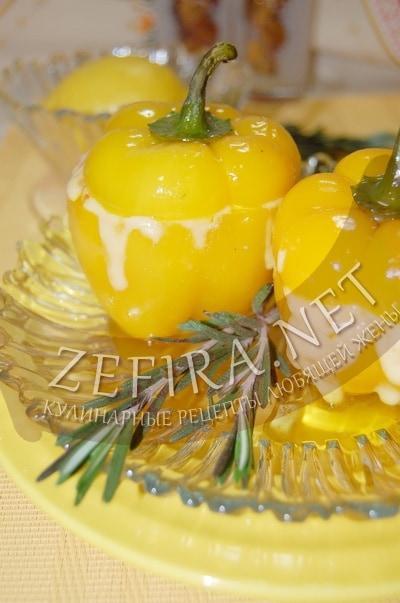 Запеченный в духовке перец, фаршированный овощами и сыром - рецепт и фото