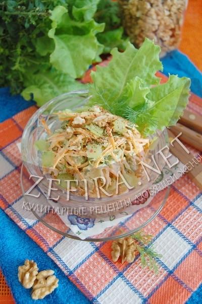 Салат из ревеня и моркови с грецкими орехами - рецепт и фото