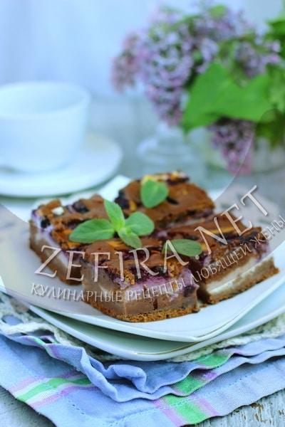 Шоколадный пирог с творогом и черникой - рецепт и фото