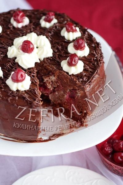 """Шоколадный торт с вишней """"Шкатулка"""" - рецепт и фото"""