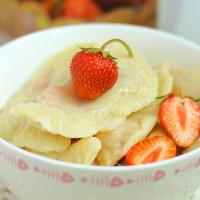 Рецепты вкусных вареников с клубникой на кефире