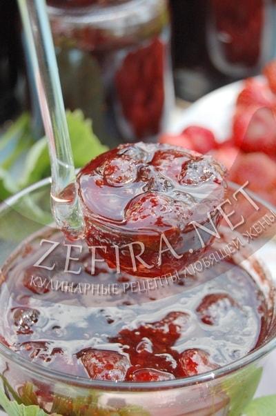 Варенье из клубники со смородиной - рецепт и фото