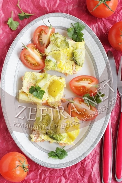 Запеканка с лососем и овощами - рецепт и фото