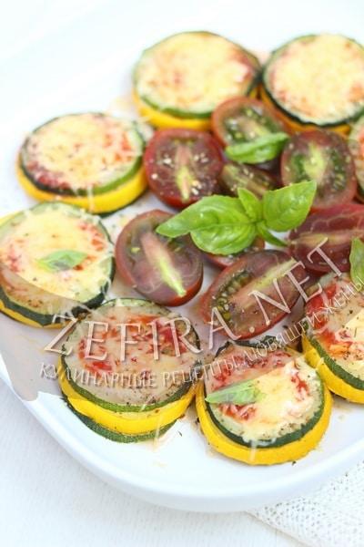 Башенки из кабачков с соусом и сыром - рецепт и фото