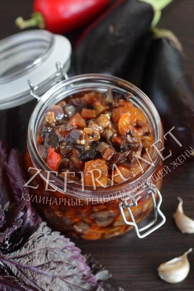 Икра из баклажанов с перцем на сковороде - рецепт и фото