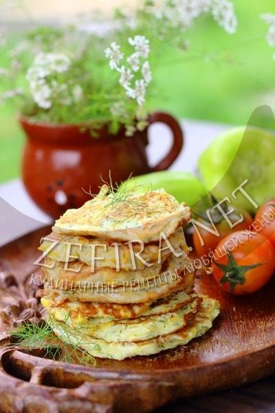 Оладьи из кабачков с чесноком и зеленью - рецепт и фото