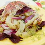 Салат из жареных кабачков с маринованным луком