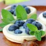 belkovoe-pirozhnoe-s-zavarБелковое пирожное с заварным кремом и ягодами