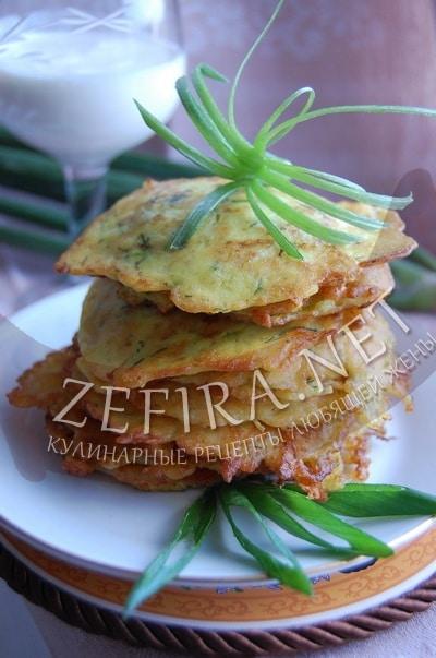 Кабачковые оладьи с сыром и укропом - рецепт и фото