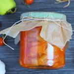 Лечо изо кабачков, томат равным образом перца - отливка сверху зиму