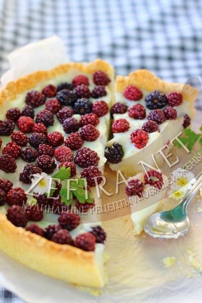 Песочный пирог с ежевикой и заварным кремом - рецепт и фото