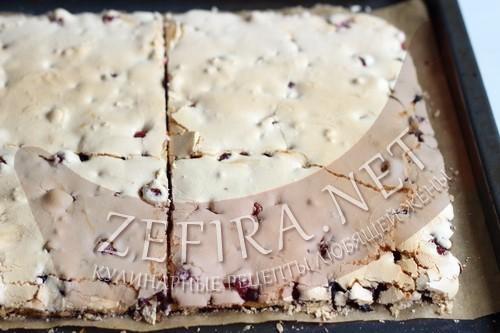Песочный торт с ягодами и безе «Пани Валевска» - шаг12