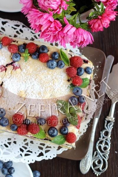 Песочный торт с ягодами и безе «Пани Валевска»