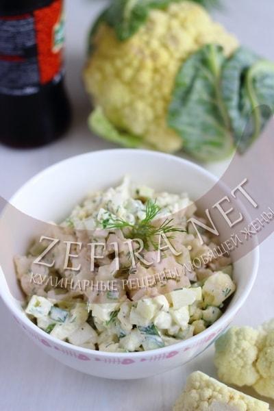 Салат из сырой цветной капусты с огурцом - рецепт и фото