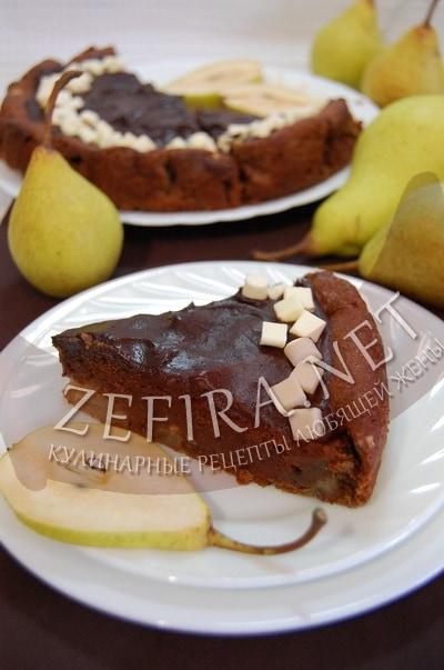 Творожный шоколадный пирог с грушами и грецкими орехами
