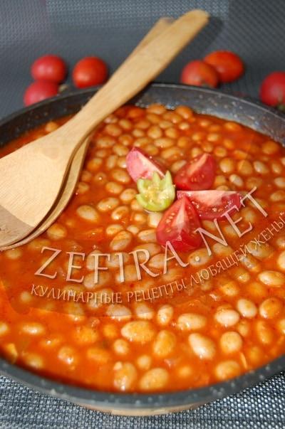 Фасоль в томате с овощами - рецепт и фото