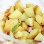 Картошка в микроволновке – рецепт в пакете
