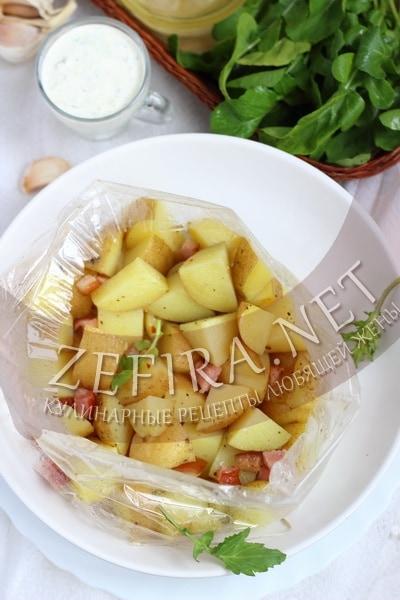 Картошка в микроволновке – рецепт в пакете с фото