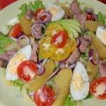 Овощной салат с тунцом и картофелем
