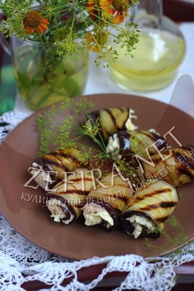 Рулетики из баклажанов с сыром и яйцом - рецепт и фото