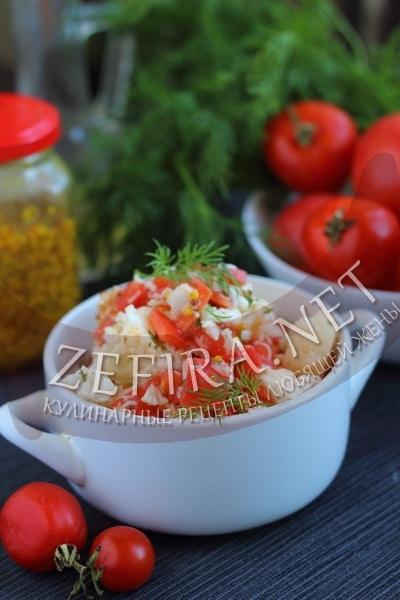 Салат из сырой цветной капусты с помидорами и сыром - рецепт и фото