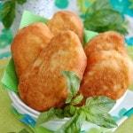 Жареные пирожки с картошкой и зеленью без дрожжей