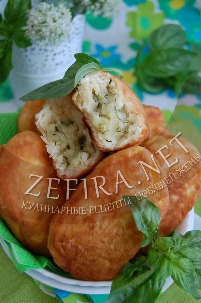 Жареные пирожки с картошкой и зеленью без дрожжей - рецепт и фото