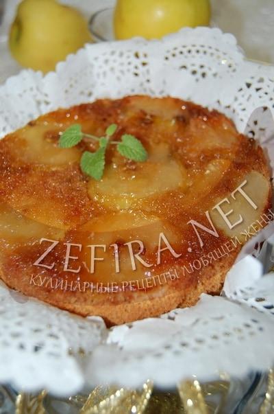 Перевернутый пирог с яблоками и карамелью - рецепт и фото