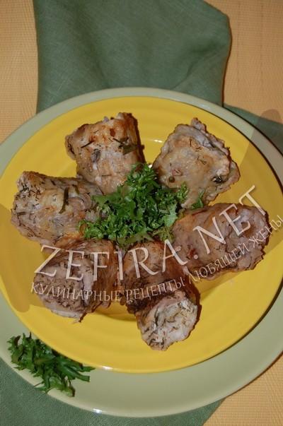 Рыбные рулетики с начинкой из риса и грибов - рецепт и фото