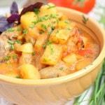 Тушеные сердечки с картошкой и томатами