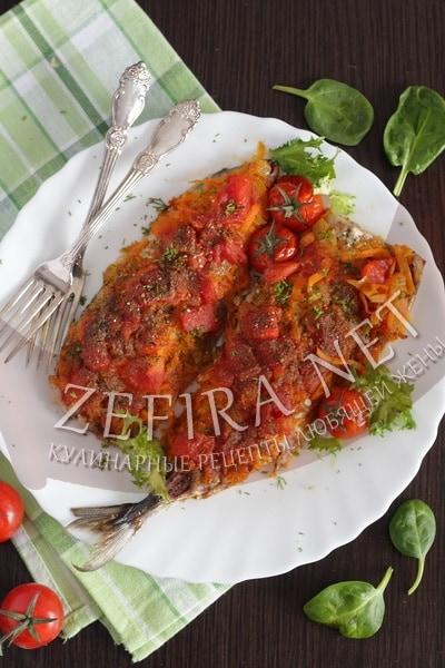 Запеченная скумбрия с овощами - рецепт и фото