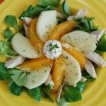 Салат из курицы с апельсином и яблоком